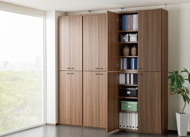 扉付のシェルフを組み合わせて全て隠す収納の設置例です